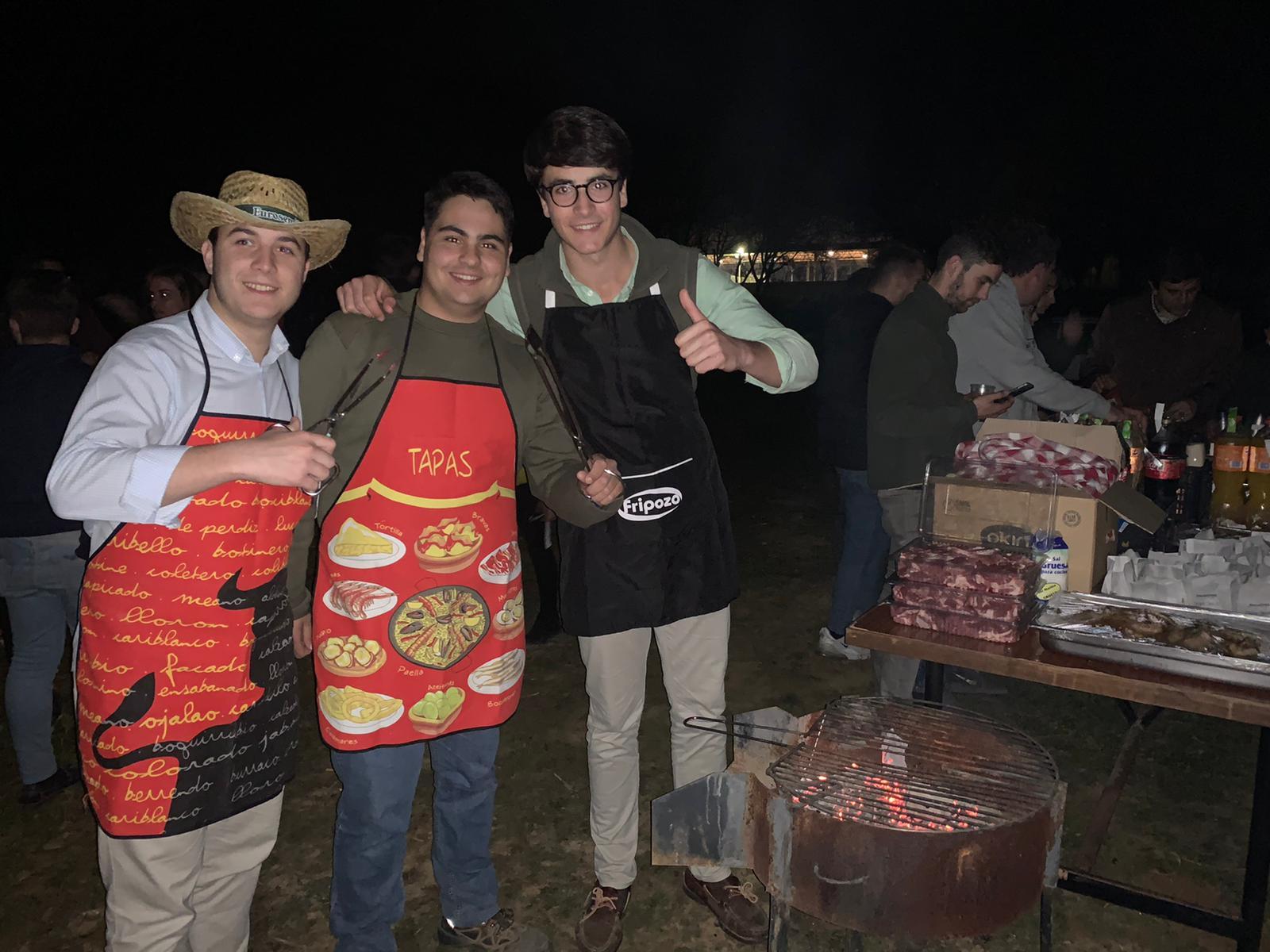 Los residentes de Torrealba celebraron la tradicional fiesta de la Candelaria con una barbacoa y cante rociero