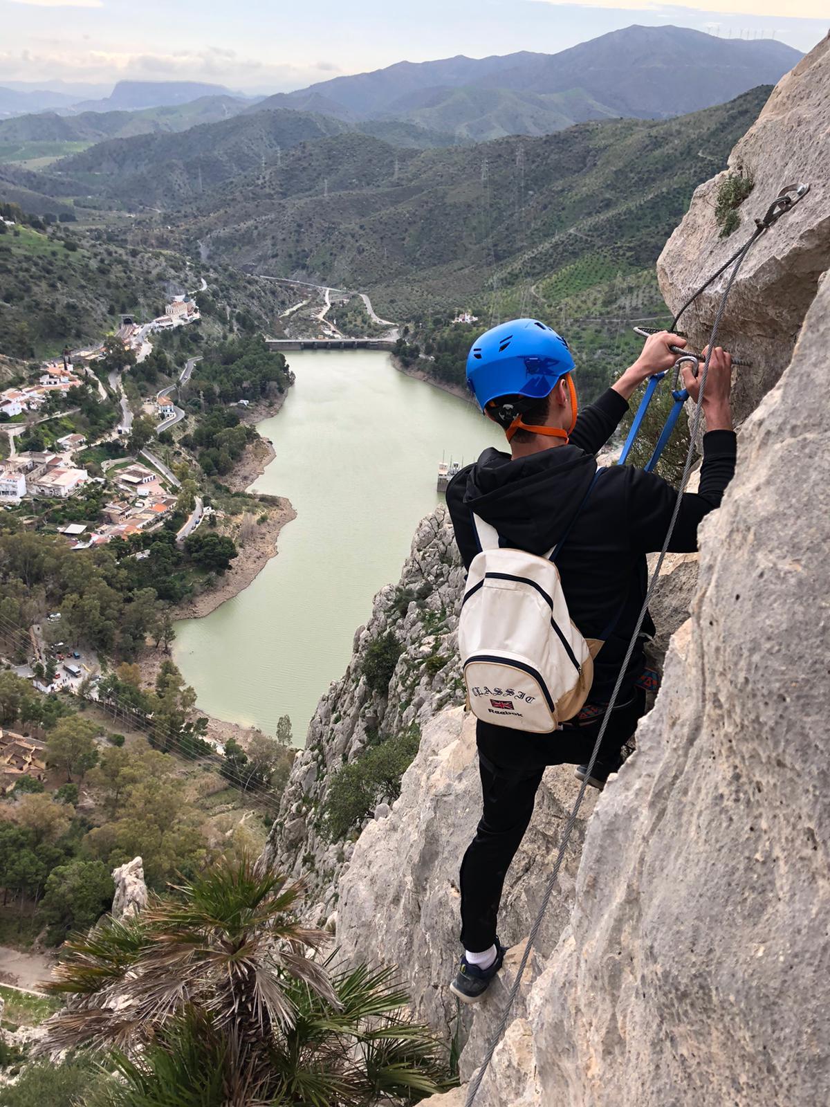 Nuestros alumnos del TSEAS hacen escalada en la via ferrata del Caminito del Rey, El Chorro (Álora)