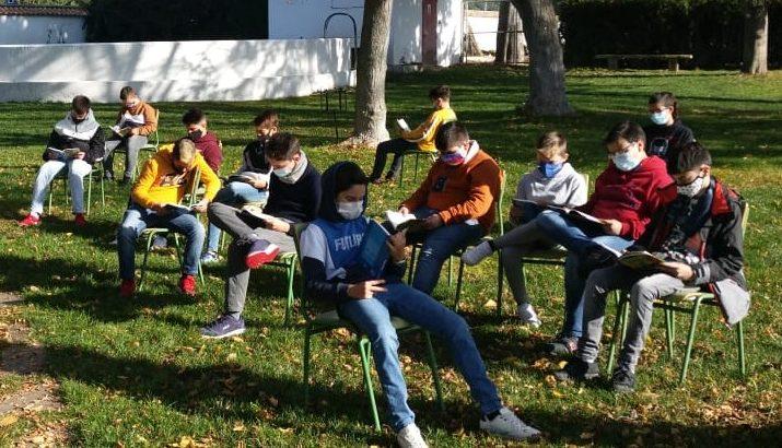 Taller de lectura al aire libre para los alumnos de 1º y 2º de ESO
