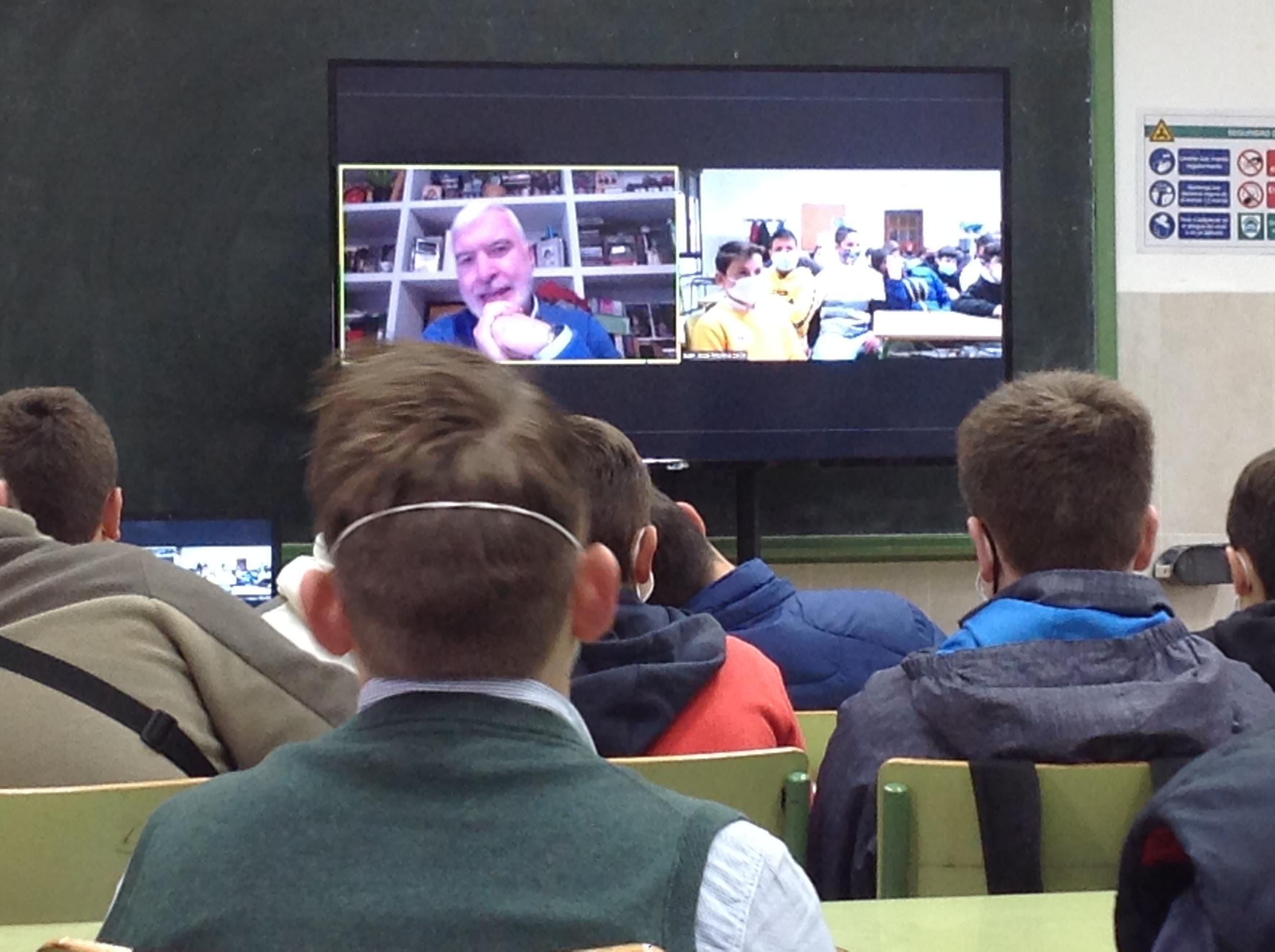 Libro forum de los alumnos de 1º de ESO con el escritor Juan Pedro Delgado